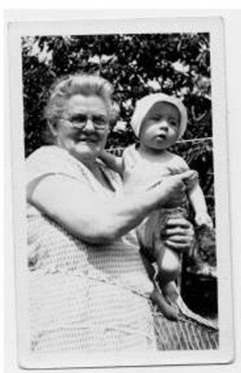 grandmombrennananddad (35K)