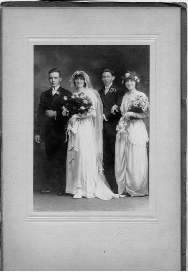 weddingphoto (31K)